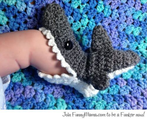 Tiny shark socks...no tute, just a pic...but I love the idea! :)