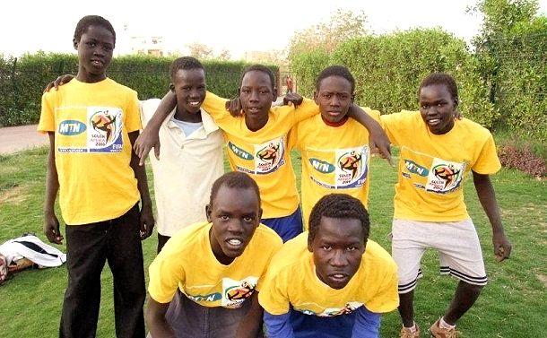 【ePrayer 2012年10月18日   記念蘇丹街童中心安全】 夥伴地Geraf的街童中心遭受襲擊恐嚇,需記念Geraf中心的安全。另外,蘇丹正值非常炎熱天氣,亦是容易感染各種疾病的季節,請記念受助男童、夥伴同工及當地貧困家庭的健康情況。