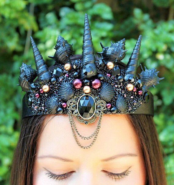 Black mermaid crown, seashell crown, gothic crown, bridal crown, wedding crown…