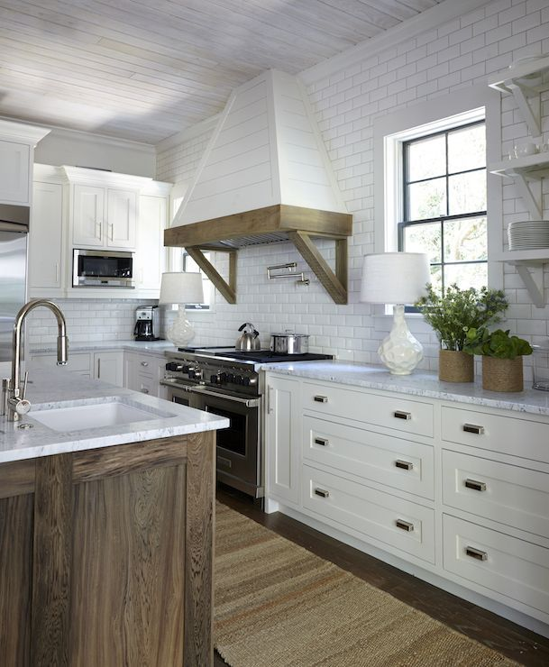 Two Tone Kitchen Cabinets White And Oak: 1000+ Ideas About Whitewash Kitchen Cabinets On Pinterest