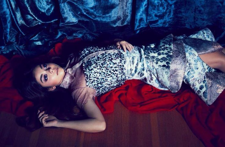 Sebastian Gunawan Couture on Sarah Hyland, the Modern Family actress for FLAUNT Magazine May2014 #editorial