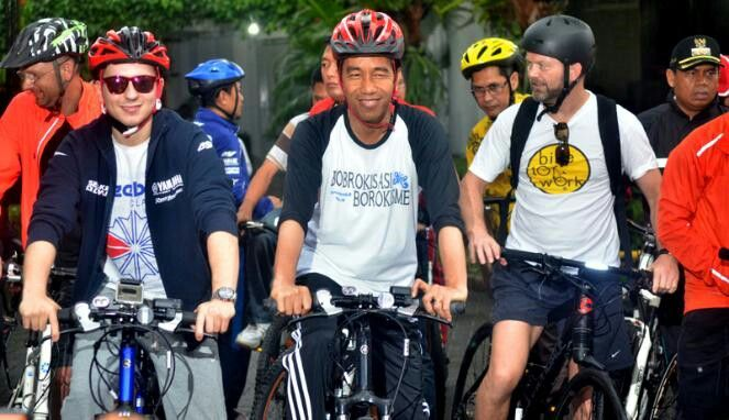 Bike to Work Indonesia Joko Widodo & Lorenzo