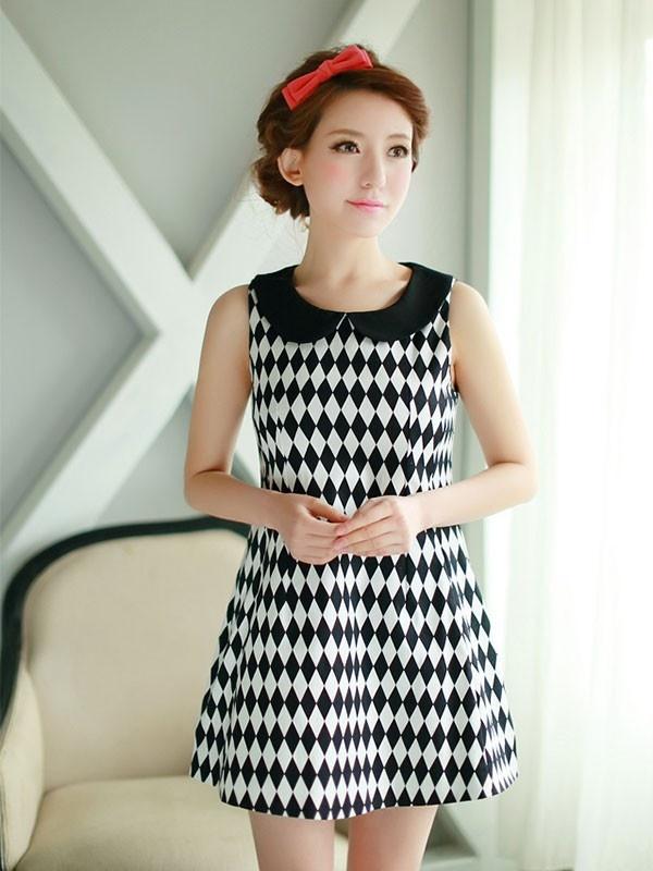 Diamond black and white dress
