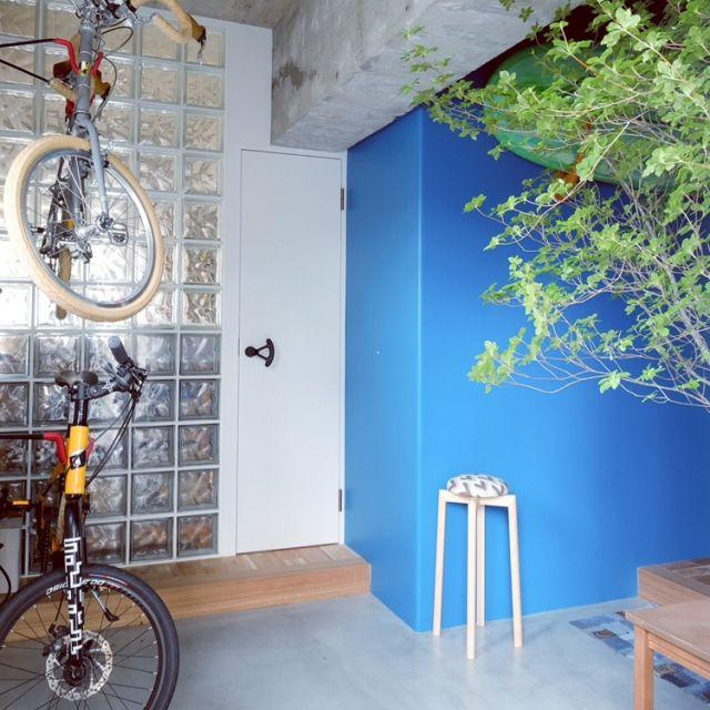 aaniさんの、リノベーション,植物,インダストリアル,Hip,ガラスキューブ,モルタル,男前,ドウダンツツジ,DIY,自転車,玄関/入り口,のお部屋写真