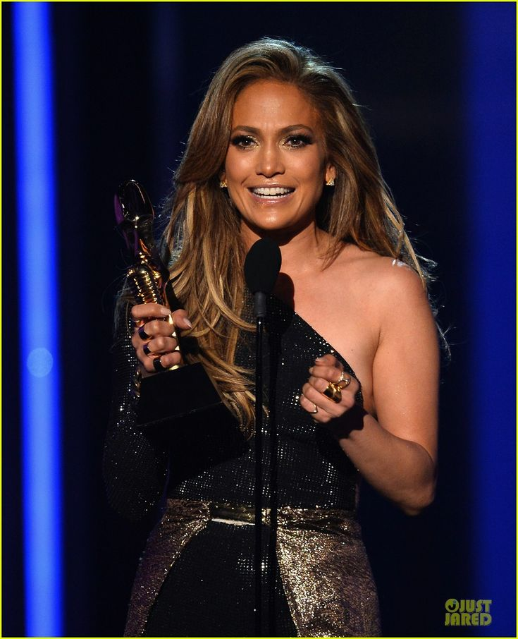 Jennifer Lopez Performs 'First Love', Accepts Billboard Icon Award - Watch Now! | jennifer lopez performs first love billboard icon 04 - Pho...