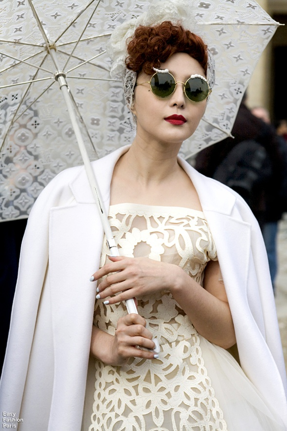 white lace: Mataro Girls, Paris Chic, White Everything, Street Style, Perfect White, Modern Blog, White Lace, Fans Bingbing, White Dresses