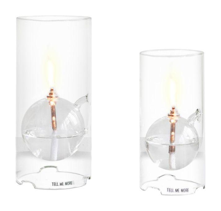 Vacker oljelampa i glas från Tell Me More. Finns i två storlekar.