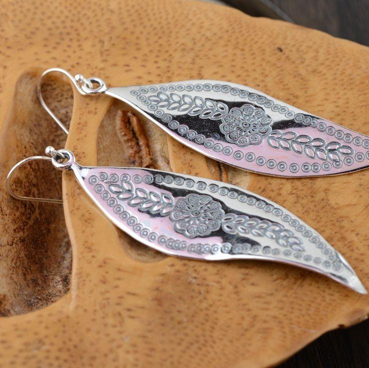 Wang Yinshi sterling silver earrings wholesale silver deer S925 Sterling Silver Hand pendant new leaf shape Tremella