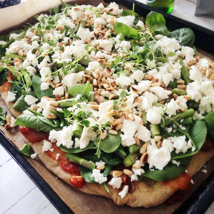 http://elsa.elle.se/3-sorters-pizza-och-2-dromklanningar/