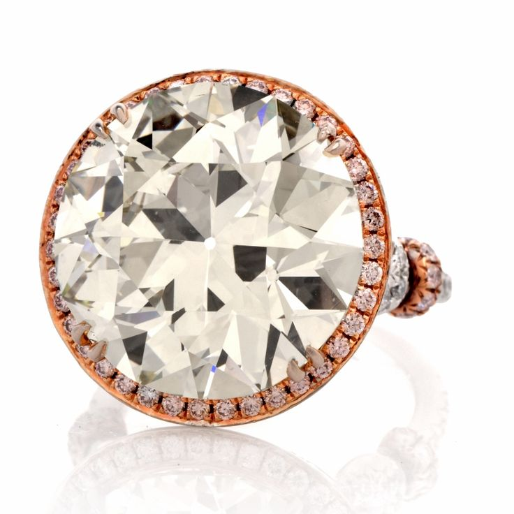 This intriguingly fascinating vintage style diamond engagement ring.