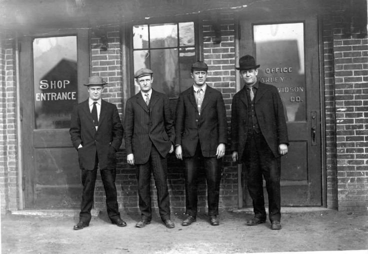 Meet Arthur Davidson, Walter Davidson, William Harley and William Davidson. Yes indeed, the real Harley-Davidson guys in front of their shop in Milwaukee, Wisconsin.  #Motortourer #Motorbike #Motorcycle