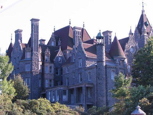 Castles in America | Naresh Golla: Amazing Castles in America