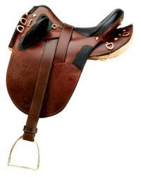 Aussie Fleece Panel Saddle - Kimberley Trailmaster. 24lbs - a little heavy i think.  in black w/ a wide tree PLEASE!!! $665.00