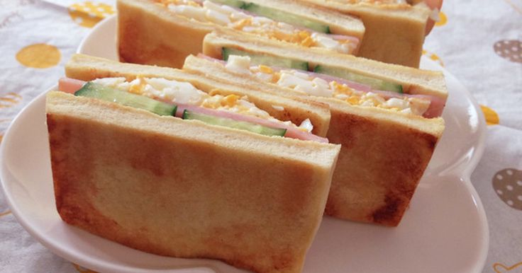 食感はまさにサンドイッチ☆バターで焼くとまるでトースト♪ 高野豆腐は糖質0g!具材も合わせて全部で糖質2.1gでした☆