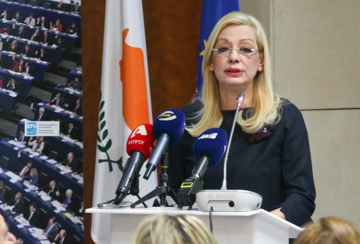 Ολοκληρωμένη προσέγγιση της ΕΕ για την ανεργία, ζήτησε η Υπουργός Εργασίας στο Λουξεμβούργο