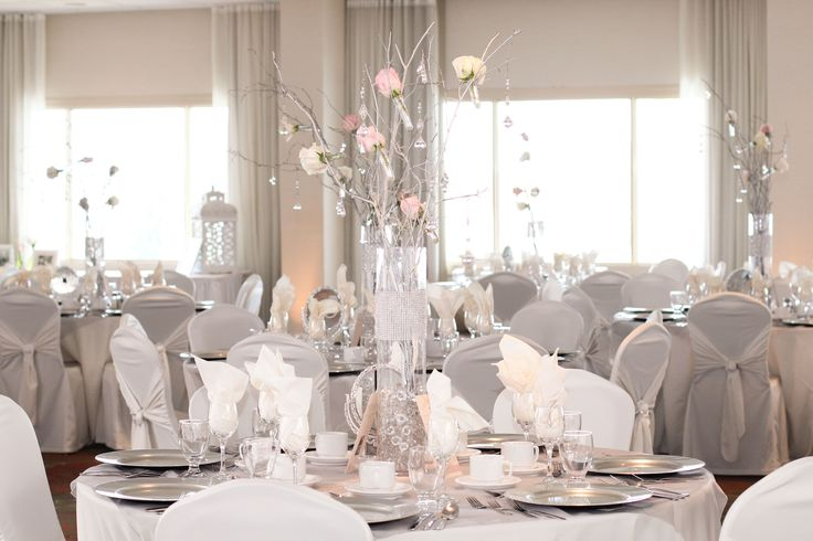 Wedding in the Islandview Ballroom at the Holiday Inn Kingston Waterfront #ygk
