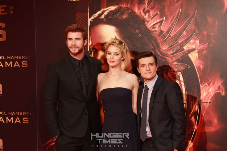 Omg, I never knew Josh was that short! Imagine a scene with him and Gale.