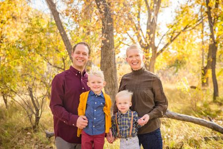 Ideas and poses for family portraits   Denver Family Photographers   Family Pictures   Colorado Family Portrait Photography
