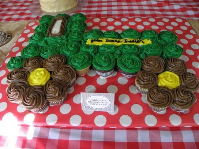 John Deere Tractor Cupcakes. Best Birthday Pull Apart Cupcake Cakes. Simple creative cake inspiration for a birthday party celebration.