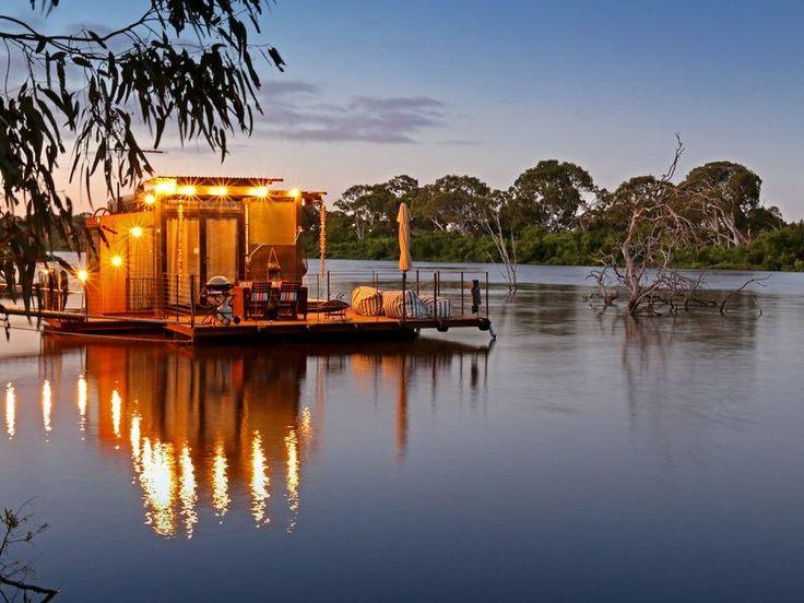 """The Cube"" Murray Bridge, a Murray Bridge Houseboat | Stayz"