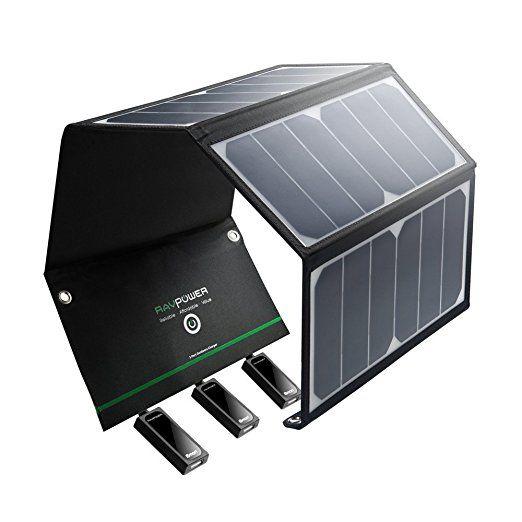 RAVPower Caricabatterie Solare Portatile da 24W con 3 Porte USB iSmart (21.5-23.5% Conversione Energia Solare, Chip Smart IC, Leggero, Pieghevole, Impermeabile, 4 Fori & Ganci in Acciaio Inox, 2 Cavi Micro-USB)