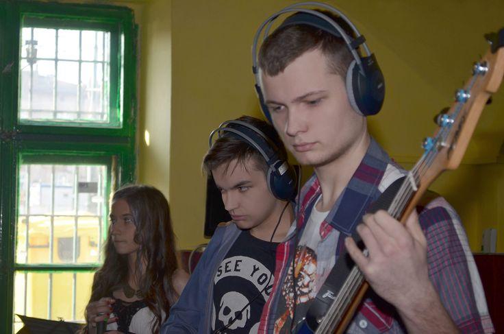 Nagranie utworu przez Sound Peak Studio - Black Light - MONSTER - Meg&Dia (Cover) w Factory Sound Sale Prób Kraków
