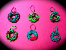 rainbow loom Christmas wreath charms
