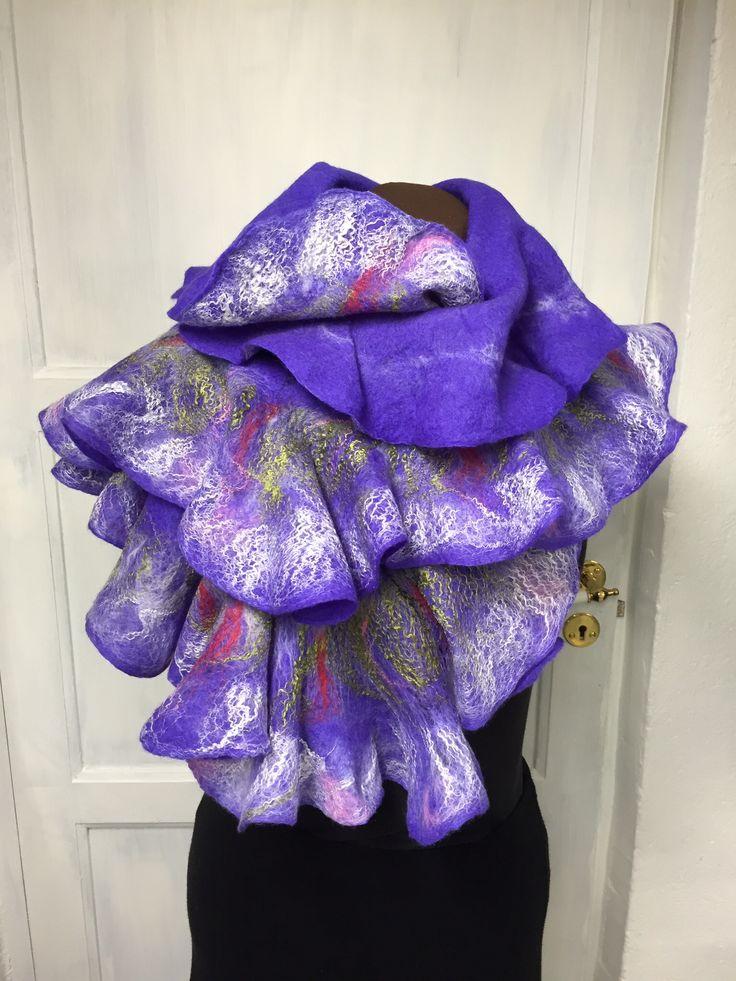 Nuno felting shawl i merinowool  and silk