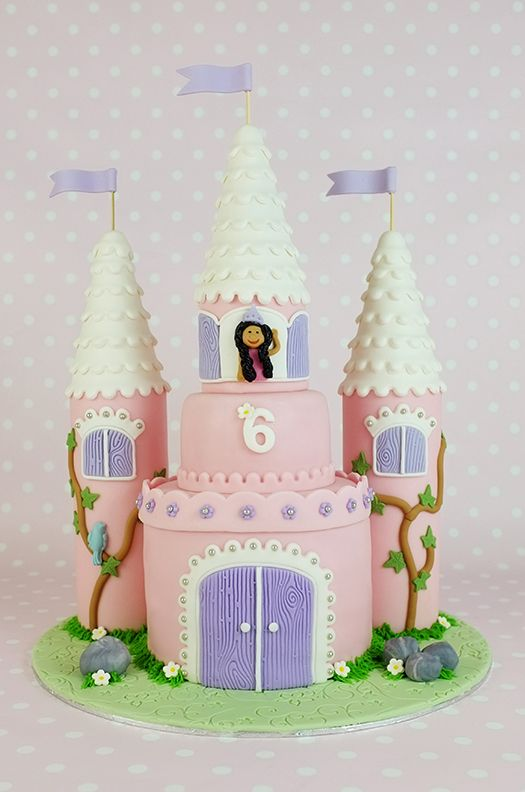 How to Make a Castle Cake: Part 1 of 3 Wow what an amazing tutorial ...