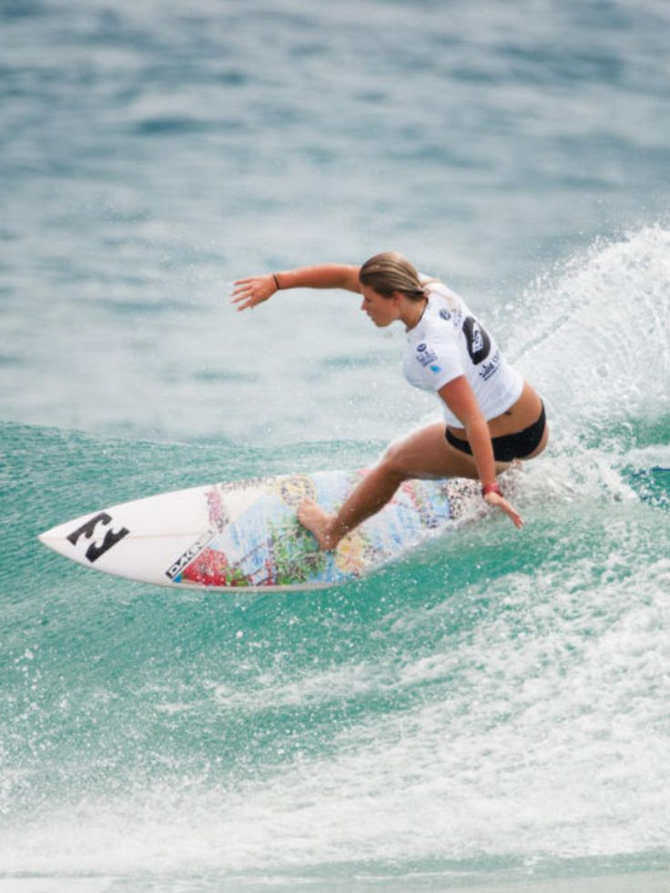 Holly Daze Coffey (AUS) surfing during the Roxy Pro Gold Coast Snapper Rocks 2014 Roxy brand and lifestyle Australia www.roxy.com @Roxy By Roxy