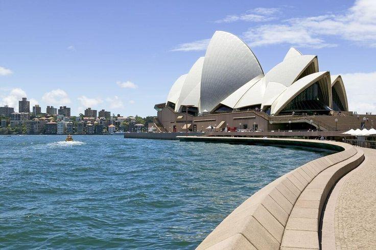 Sydney Harbour, Opera House. Blue skies and blue seas!