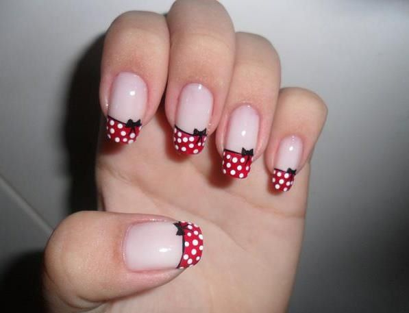 Minnie Mouse nails. Adorable!