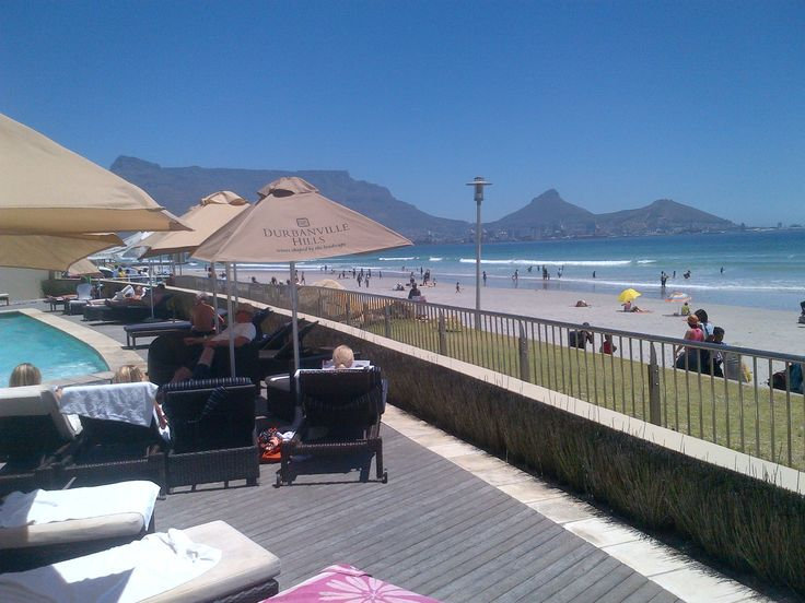 Our guests are spoiled for choice on this beautiful sunny day...pool deck or beach - we say do both!! Lagoon Beach Hotel