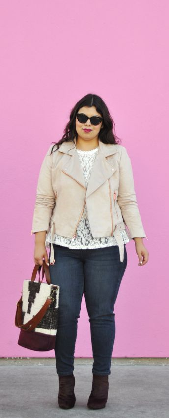 Fall fashion outfit idea: dark denim, lace, and suede moto jacket. Yes to curvy girls in skinny jeans! By Jay Miranda - plus size fashion blogger. @kohls #spon: