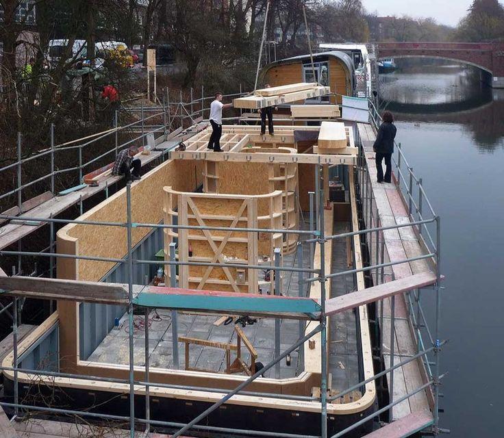 hausboot auf dem eilbekkanal in hamburg floating house boat house and hamburg. Black Bedroom Furniture Sets. Home Design Ideas