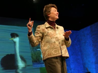 #bioneers #biomimicry #ted VIDEO: Janine Benyus: Biomimicry's surprising lessons from nature's engineers.  In this inspiring talk about recent developments in biomimicry, Janine Benyus provides heartening examples of ways in which nature is already influencing the products and systems we build.
