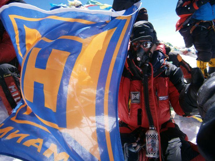 Il marchio Hörmann ha conquistato la cima del Monte Everest