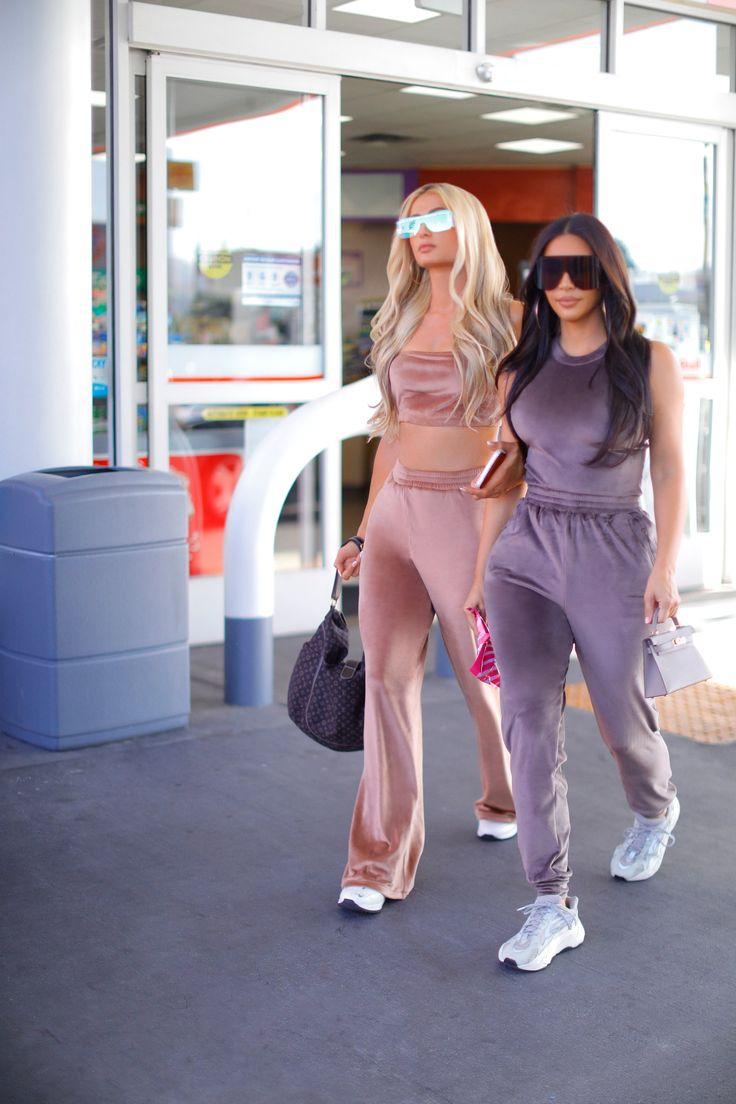 Juicy Tracksuit, Juicy Couture Tracksuit, 2000s Fashion Trends, Fashion News, Girl Fashion, Fashion 101, Paris Hilton Kim Kardashian, Kardashian Style, Emily Ratajkowski