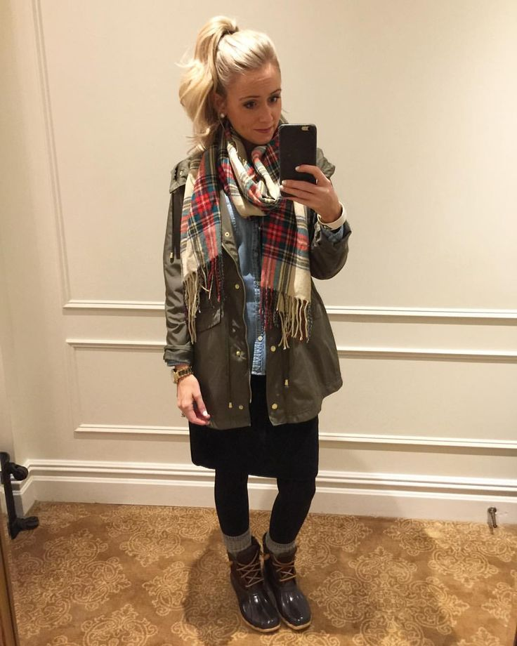 """480 Likes, 10 Comments - Kelsey Davis (@_kelseydavis_) on Instagram: """"Been saving this outfit for a rainy day ☔️ #ootd #fashion #scarf #rainjacket #duckboots #fallfashion"""""""