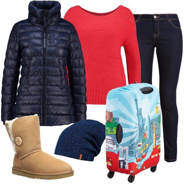 Il regalo giusto per l'amica che viaggia è un trolley colorato e comodissimo. Il look adatto per viaggiare jeans blu scuro elasticizzato comodo ma molto femminile abbinato ad un maglione rosso vivace e caldo. Per coprirsi piumino blu lungo fino ai fianchi e modello a corpo con collo alto e cappello in maglia perchè non si sa mai il tempo che si troverà. AI piedi comodi stivaletti modello UGG.