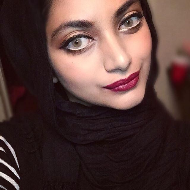 Holiday Makeup Look using Tarte Grav3yardgirl palette. Link in my bio 😍 #tarte #beautyblogger #makeup