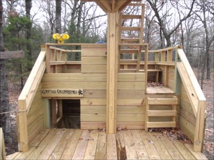 Pirate ship playhouse plans youtube clubhouse for Pallet boat plans
