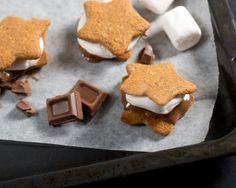 Pipari, suklaa, vaahtokarkki. S'mores ei voi olla kuin hyvää! www.vuohelanherkku.fi/reseptit/smores #gluteeniton #vuohelanherkku #resepti
