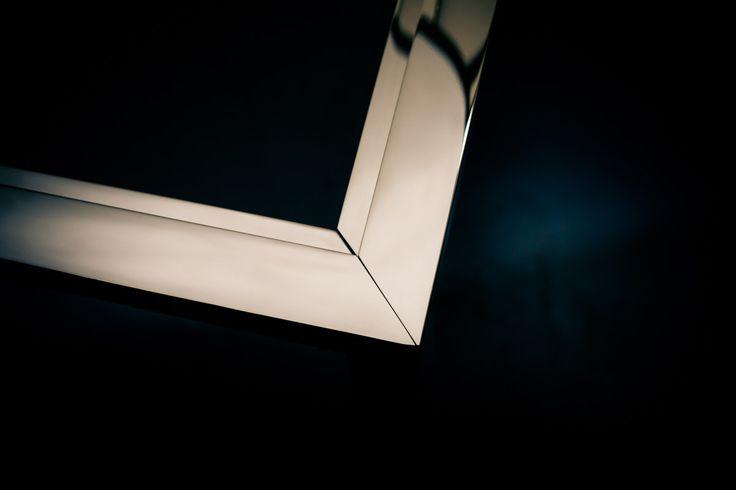 Struttura in acciao inox teca per centro commerciale londinese del lusso