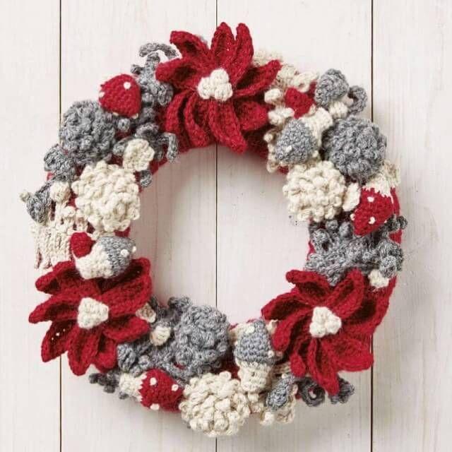 Simply Crochet Magazine Issue 38, crochet christmas gnomes and wreath by Hannah Cross HanJan Crochet