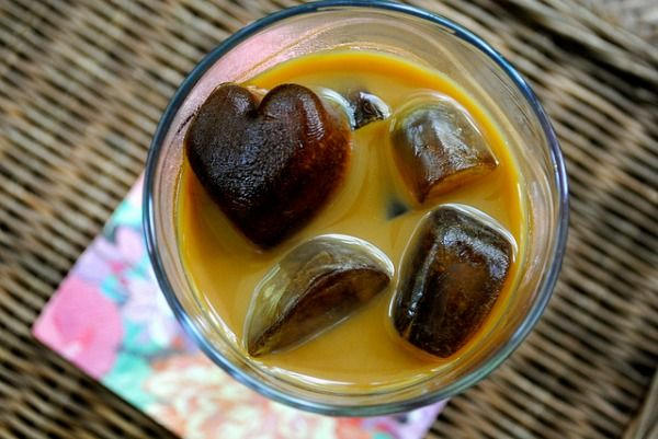 Frozen Coffee Ice Cubes. View More Flavored Ice Cube Ideas - www.mazelmoments.com/blog/8645/cool-flavored-ice-cubes/