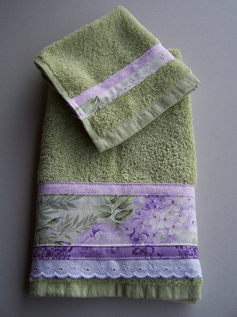 leafy Wisteria towel set for mum by Created by Cath., via Flickr