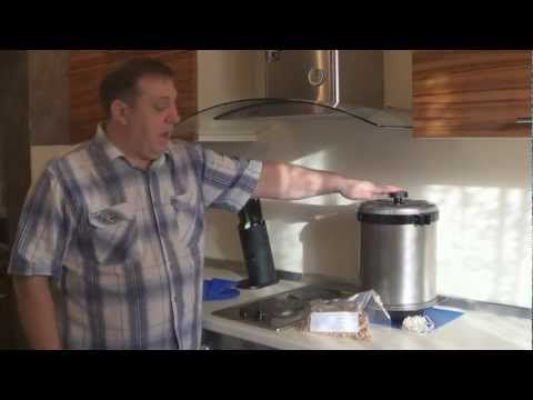 Как сделать краковскую полукопченую колбасу в домашних условиях.  How to make smoked homemade sausage.