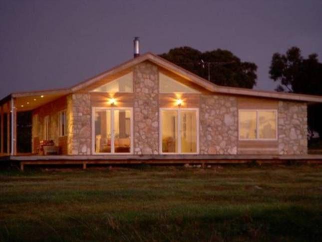 **Sea Stone Cottage - Peace,, a Emu Bay House | Stayz
