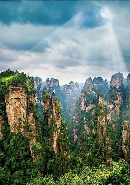 Tianzi Mountain is located in Zhangjiajie in the Hunan Province of China, close to the Suoxi Valley.